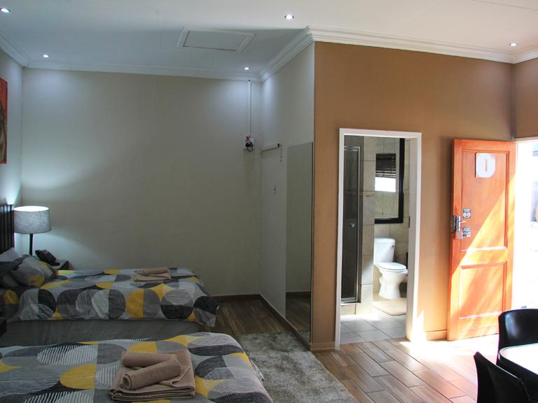 accommodation-family-room-5